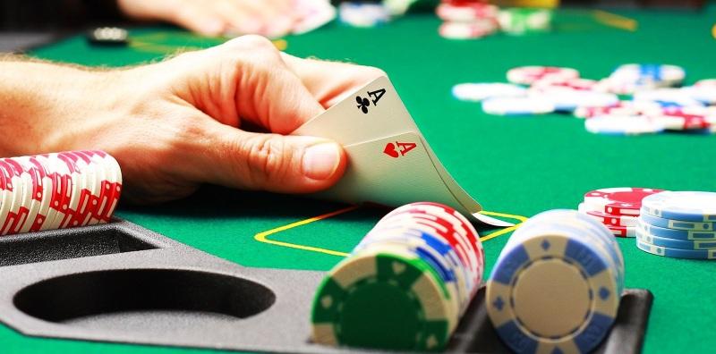 Người chơi không nên chơi bài với những người có nguồn tài chính mạnh mẽ hơn mình