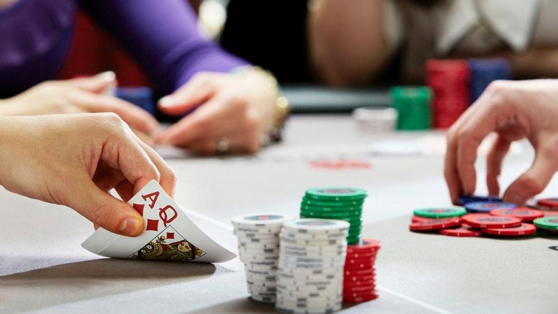Bạn không nên ảo tưởng sức mạnh, nghĩ rằng bàn nhỏ đơn giản không cần thiết chơi